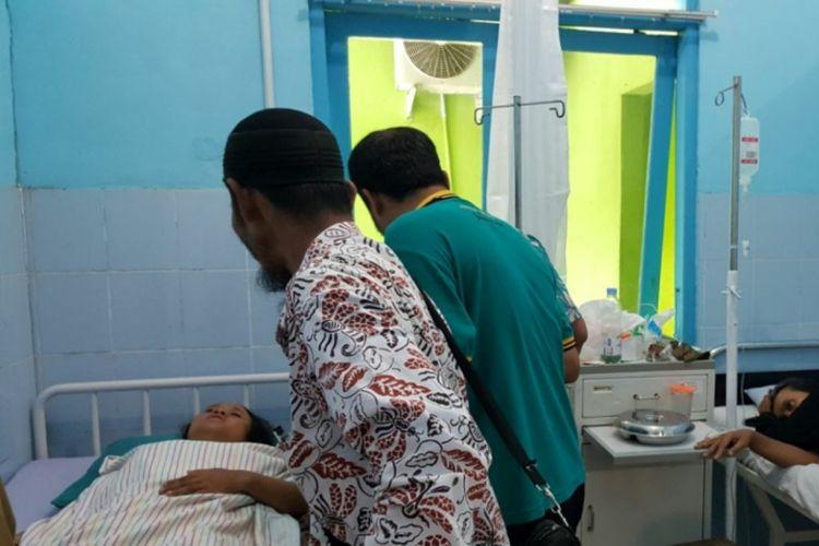 Seorang korban diduga Keracunan Makanan di rawat di Puskesmas 1 playen, Gunungkidul, Yogyakarta, Kamis (22/2/2018)