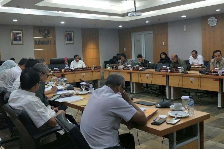 Rapat pembahasan rancangan KUA-PPAS 2020 antara Pemprov DKI dan Komisi C Bidang Keuangan DPRD DKI di Gedung DPRD DKI Jakarta, Jalan Kebon Sirih, Jakarta Pusat, Rabu (20/11/2019).