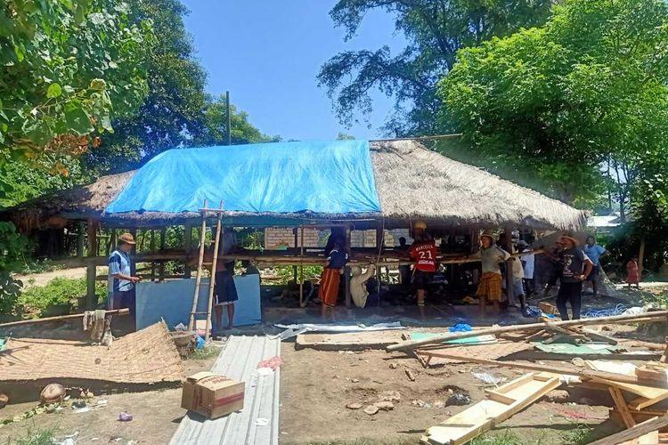 Inilah warga Dusun Ebunut, Desa Kuta, Kecamatan Pujut, Lombok Tengah yang harus angkat kaki dari kampung sendiri, mereka terusir karen lahan mereka telah diklaim oleh ITDC untuk proyek pembangunan Sirkuit MotoGP Mandalika. Kampung mereka berada di tengah tengah lintasan 17 Sirkuit.