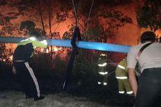 Pajero Sport Terbakar Setelah Menabrak Pipa Saluran Air, Satu Orang Tewas