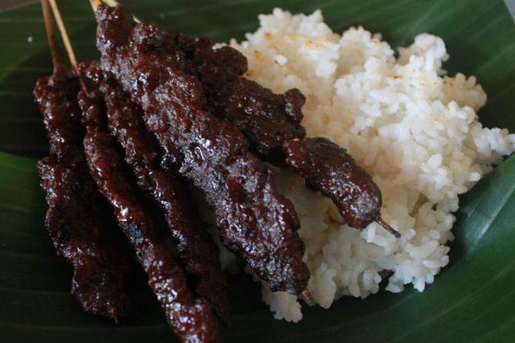 Satai kerbau, kuliner khas Kudus yang memiliki sejarah panjang dari masa Sunan Kudus.