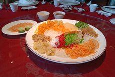 Aduk Salad Yu Sheng Harus Diangkat Tinggi, Kenapa?