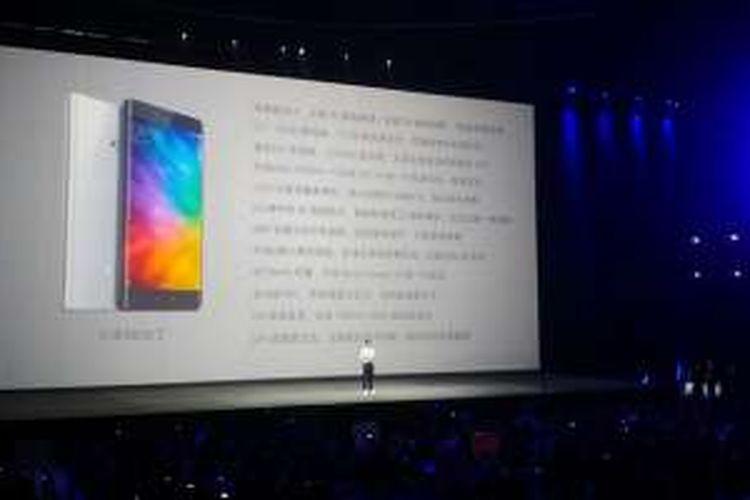 Peluncuran Xiaomi Mi Note 2 di Beijing, Selasa (25/10/2016).