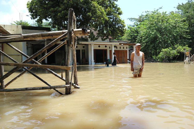 Kondisi Banjir di Dusun Brangkal, Desa Brangkal, Kecamatan Bandar Kedungmulyo, Kabupaten Jombang, Jawa Timur, Sabtu (29/2/2020).