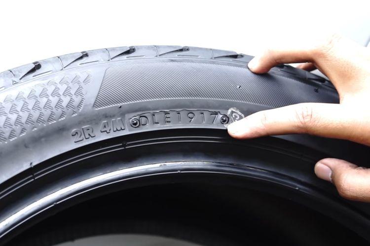 Ilustrasi membaca kode produksi ban mobil untuk mengetahui usia ban