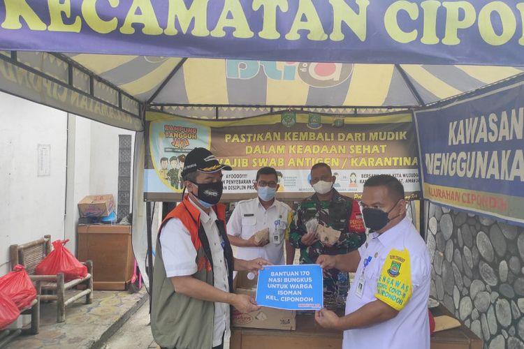 Pegawai di setiap Organisasi Perangkat Daerah (OPD) Pemerintah Kota Tangerang Banten diminta mendirikan dapur umum untuk membuat makanan siap santap bagi warga yang menjalani isolasi mandiri di rumah.