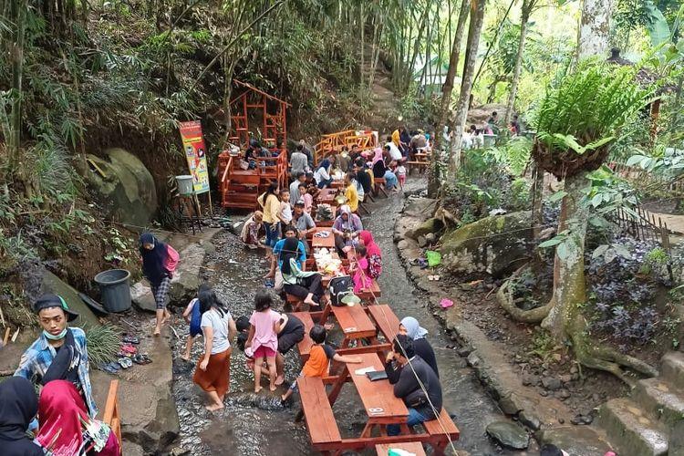 Tempat wisata bernama Wana Wisata Sumber Biru di Dusun Wonotirto, Desa Wonomerto, Kecamatan Wonosalam, Kabupaten Jombang, Jawa Timur (dok. Wana Wisata Sumber Biru).