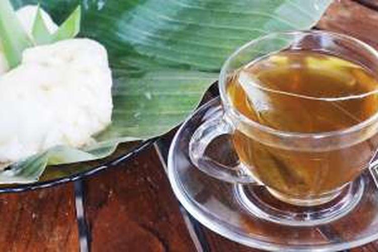 Pandanus Green Tea dari Savis. Teh ini memiliki rasa dan aroma seperti jenang sumsum.