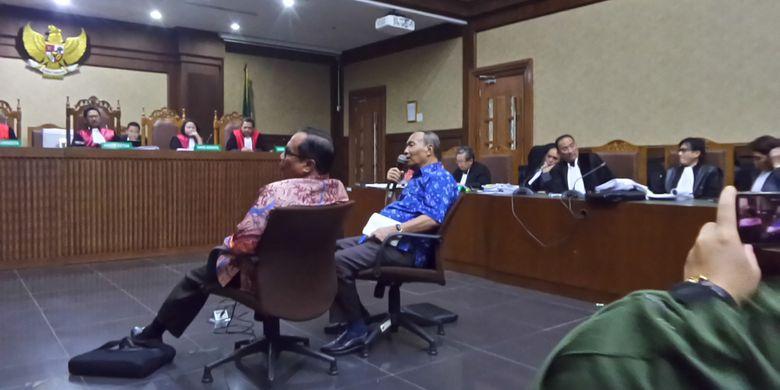 Mantan Direktur Pengelolaan Informasi dan Administrasi Ditjen Dukcapil Kemendagri, Sugiharto, menjadi saksi di Pengadilan Tipikor Jakarta, Kamis (25/1/2018).