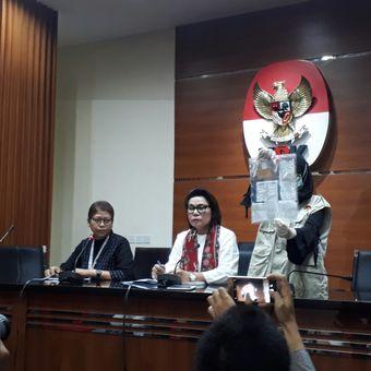 Jumpa pers KPK terkait operasi tangkap tangan Bupati Ngada, Marianus Sae, di gedung KPK, Kuningan, Jakarta, Senin (12/2/2018).