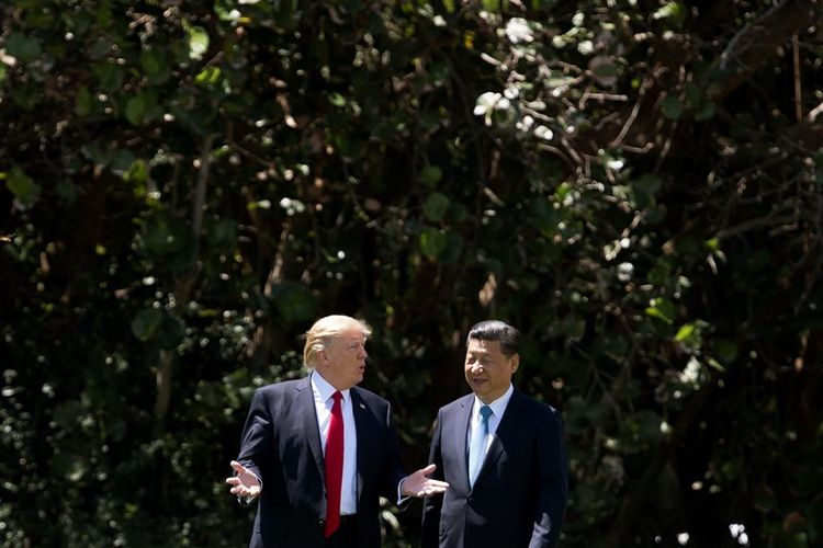 Presiden AS Donald Trump menjamu Presiden China Xi Jinping di resor pribadinya, Mar-a-Lago di Palm Beach, Florida.