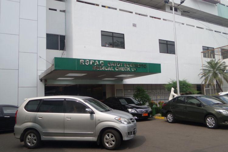 Hermansyah (46), ahli telematika yang diserang di Tol Jagorawi pada Minggu (9/7/2017) dini hari, dipindah perawatannya ke Rumah Sakit Pusat Angkatan Darat (RSPAD) Gatot Subroto, Jakarta Pusat.
