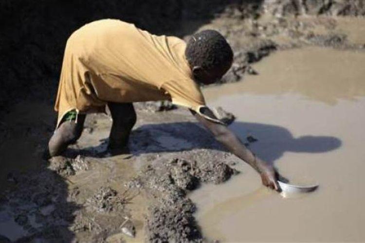 WHO menyebutkan hampir 2 miliar penduduk dunia tak memiliki akses ke air bersih.