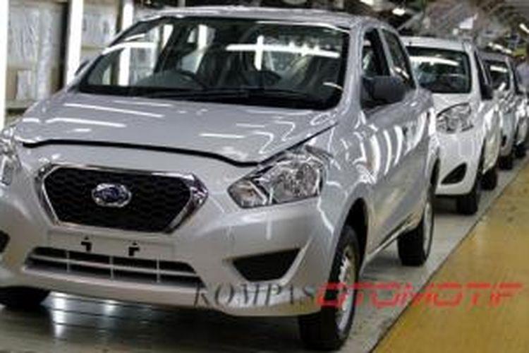 Produksi massal Datsun dimulai dari Chennai, India.
