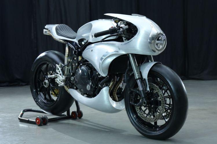 Motor custom Kawasaki ER-6n cafe racer garapan AMS Garage