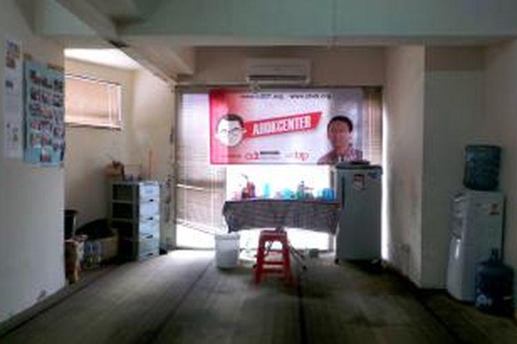 Salah satu sudut ruang kantor Ahok Center di Apartemen Juanda, Jakarta Pusat, Kamis (15/8/2013).