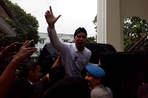Pihak Ahmad Dhani Bantah Konser Hadapi Dengan Senyuman Ajang Kampanye
