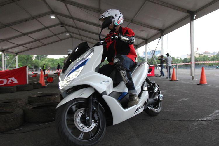 Test Ride Honda PCX Listrik