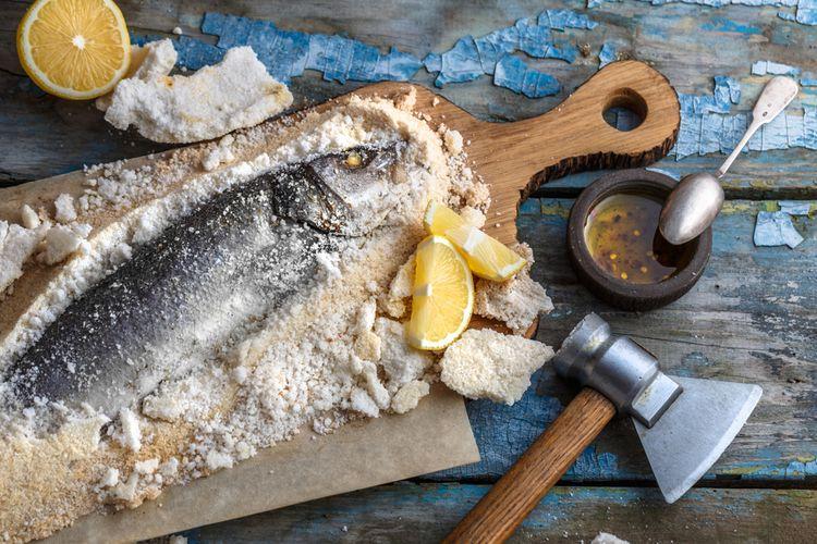 Ilustrasi ikan panggang garam