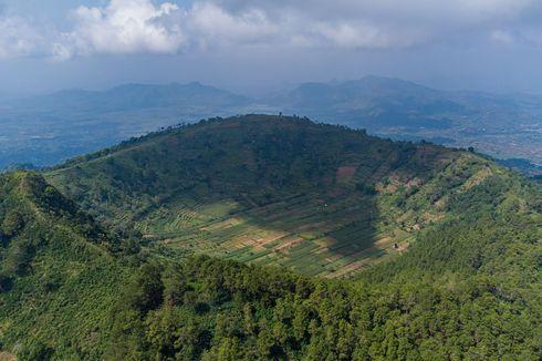Wisata Gunung Blego via Magetan, Ada Telaga Tanpa Air di Puncaknya