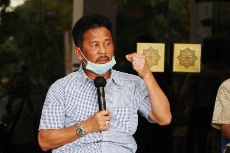 Wali Kota Batam, HM Rudi mengatakan lebih dari dua ribu warga Batam, Kepulauan Riau (Kepri) diketahui mengalami demam tinggi, batuk, mual-mual dan muntah-muntah yang identik dengan gejala awal virus corona atau covid-19.
