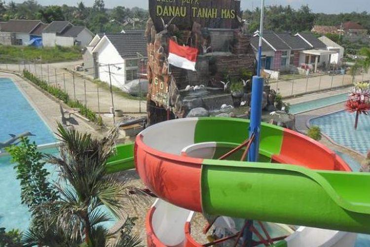 Water Park Danau Tanah Mas