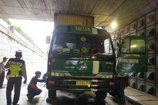 Truk Kontainer Tersangkut di Underpass Pasar Jumat-Ciputat, Damkar: Sudah 5 Kali Kejadian