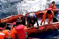 Kapal Diterjang Badai, 10 Pemancing Mania Mengapung 17 Jam di Laut dan Kedinginan