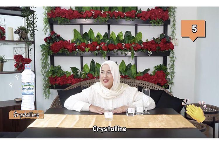 Youtuber Tasyi Athasyia membandingkan 12 air mineral dari berbagai merek ternama.