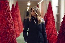Merah Menyala, Pohon Natal ala Ibu Negara AS Melania Trump