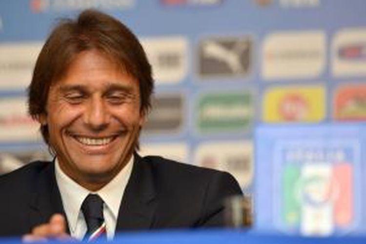 Pelatih tim nasional Italia, Antonio Conte, dalam konferensi pers, di Roma, pada 19 Agustus 2014.