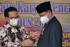 Kendalikan Laju Pertumbuhan Penduduk, Wali Kota Madiun Terima Penghargaan MKK 2021