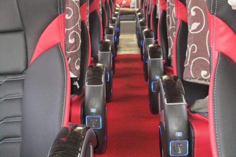 colokan usb di bus