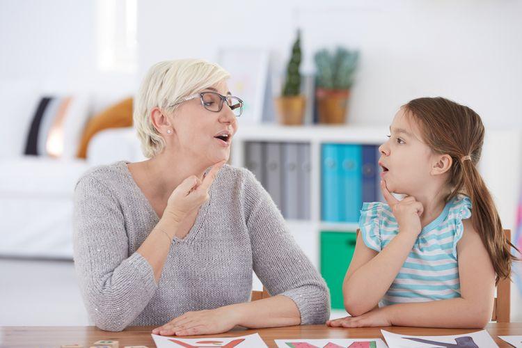 Ilustrasi terapi wicara untuk anak gagap