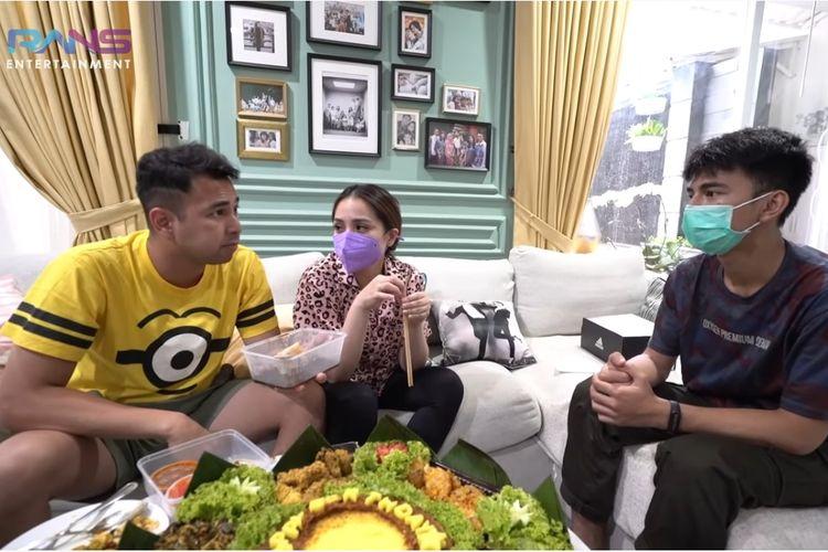 (Dari kiri) Raffi Ahmad, Nagita Slavina, Dimas Ramadhan