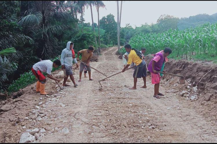 Kementan menjalankan program pembangunan jalan pertanian untuk mendongkrak produktivitas.