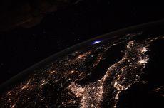[FOTO] Astronot Potret Fenomena Langka Petir Biru dari ISS