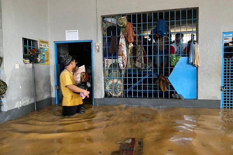 Suasana di Rutan Barabai Kalimantan Selatan yang terendam banjir akibat tingginya intensitas hujan, Jumat (15/1/2021).