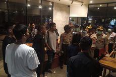 Polisi Tutup Paksa Cafe di Banjarmasin yang Masih Beroperasi