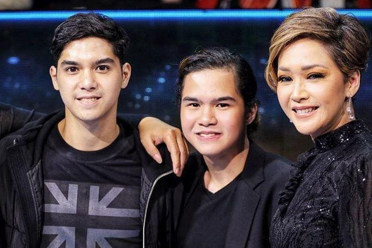 Dul Jaelani dan Maia Estianty berpose di malam Grand Final Indonesian Idol X, Senin (24/2/2020).