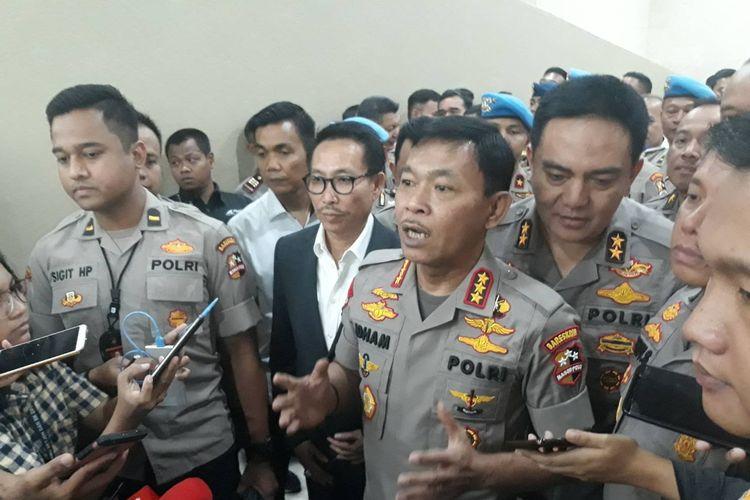 Komjen Idham Azis usai ditetapkan sebagai Kapolri terpilih di Kompleks Parlemen, Senayan, Jakarta, Kamis (31/10/2019).