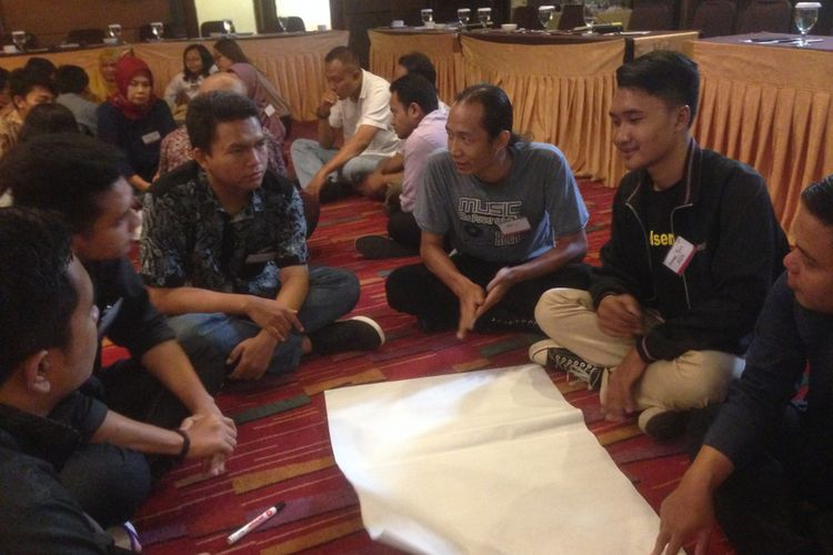 Sejumlah pemuda dari Jawa Tengah dilatih di dalam pelatihan Juru Bicara Pancasila, Sabtu (13/10/2018)