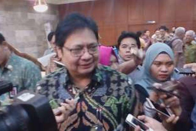 Menteri Perindustrian Airlangga Hartarto saat menghadiri pengukuhan pengurus HIMKI di Kemenperin, Jakarta, Kamis (28/7/2016).