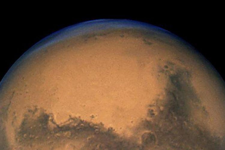 Sosok planet Mars sebagaimana diteropong oleh NASA dengan teleskop antariksa Hubble pada 2003.