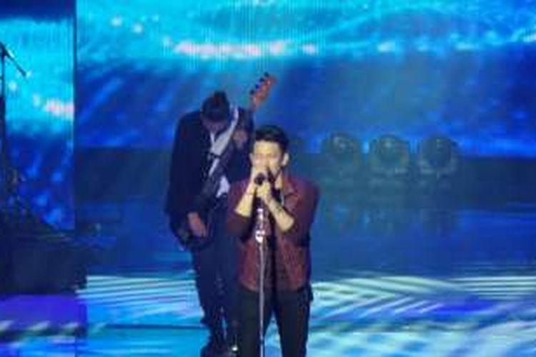 Ariel tampil bersama rekan-rekan band NOAH-nya dalam acara The Biggest Concert NOAH, yang disiarkan oleh SCTV, di Studio Emtek 6, Daan Mogot, Jakarta Barat, Kamis (19/5/2016).