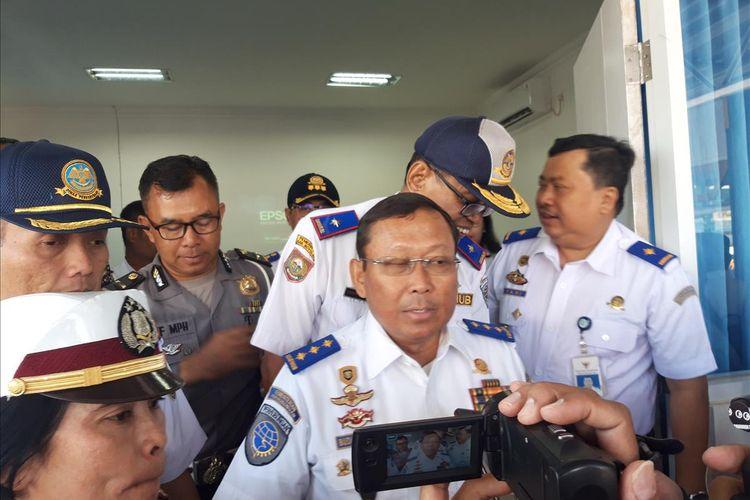 Direktur Jenderal Perhubungan Darat Budi Setiyadi di Salatiga setelah melakukan rapat koordinasi dengan pemerintah Salatiga dan Boyolali mengenai persiapan jalur mudik Lebaran 2019 di Salatiga, Sabtu (25/5/2019).