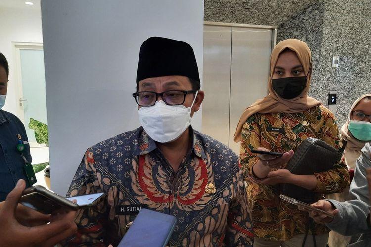 Wali Kota Malang, Sutiaji saat diwawancara usai rapat koordinasi evaluasi PPKM Mikro di Mini Block Office Balai Kota Malang, Jumat (26/2/2021).