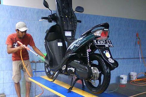 Kebiasaan yang Bikin Motor Cepat Rusak di Musim Hujan
