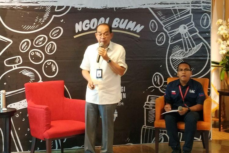 Direktur Utama PT Hutama Karya (HK) Persero, Bintang Perbowo memberi penjelasan dalam sebuah diskusi di Gedung Kementerian BUMN, Jakarta, Kamis (5/9/2019).