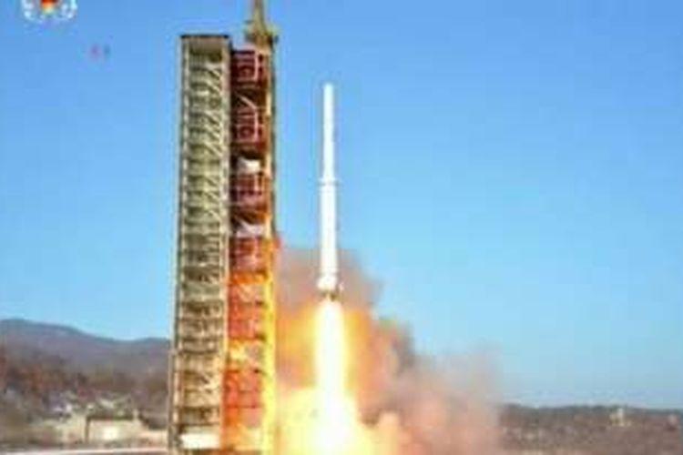 Peluncuran roket jarak jauh Korea Utara.